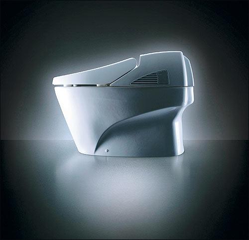 Японские высокотехнологичные туалеты